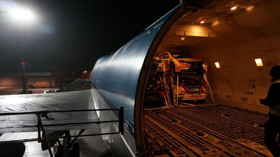 Lada Vesta WTCC научилась летать 02