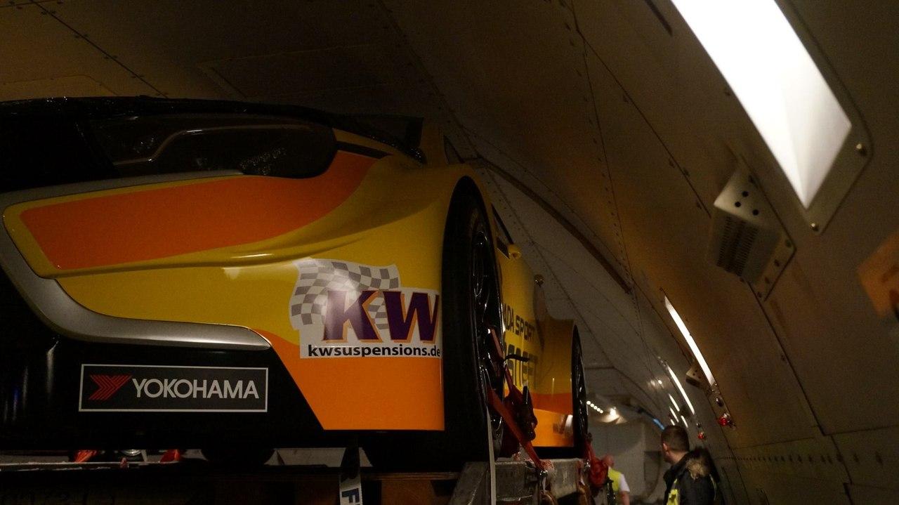 Lada Vesta WTCC научилась летать 03